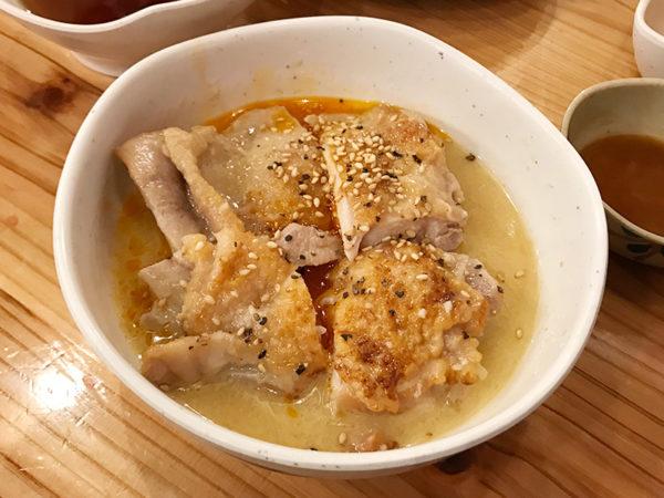鶏肉の白湯煮込み