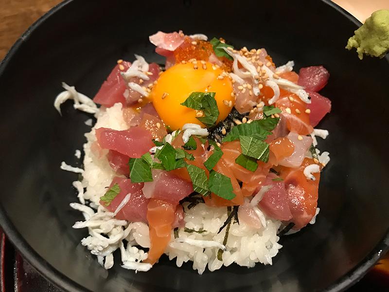 旬和席 うおまん 三ノ宮ミント神戸店 海鮮まかない丼