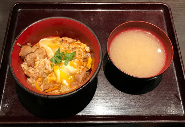 親子丼と具盛り鶏汁 京都 烏丸 焼き鳥 鳥あさ ランチ